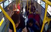 Kaza anı otobüs kamerasında