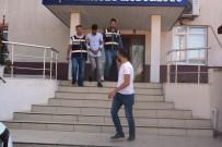 Ayvalık Polisi'nin Yakaladığı 2 Telefon Dolandırıcısı Tutuklandı