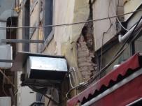 TARİHİ BİNA - Beyoğlu'nda Hasarlı Binaya Yıkım Kararı Çıktı