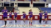 Muratpaşa Belediyesi Kadın Hentbol Takımı Sezonu Açıyor