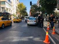 LÜKS OTOMOBİL - Şişli'de Akıl Almaz Kaza  Açıklaması1 Yaralı