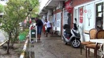 Ayvalık'ta Şiddetli Yağış Ve Fırtınanın Yaraları Sarılıyor