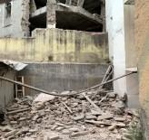 Beyoğlu'nda 4 Katlı Metruk Bina Çöktü