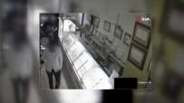 KUYUMCU DÜKKANI - Çalışanlara Biber Gazı Sıkarak Altınları Çalanlara Ceza Yağdı