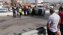 Kaza Yapan Otomobilin Sürücüsü Yaralandı