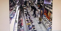(ÖZEL) Esenyurt'ta Bir Ayakkabıcı Dükkanı Sular Altında Kaldı