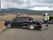 Cenaze Yolunda Feci Kaza Açıklaması 2'Si Çocuk 12 Yaralı