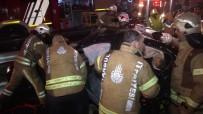 Küçükçekmece'de Otomobil Bariyerlere Girdi Açıklaması 4 Yaralı