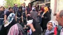 ARBEDE - Oturma Eylemi Yapan 'Diyarbakır Anneleri'nden HDP'lilere Tepki