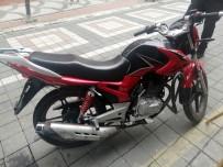 (Özel) Sultangazi'den Çaldıkları Motosiklet İle Esenyurt'ta Polise Yakalandılar