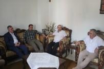 Başkan Turanlı İle Başkan Fırat, Emekli Öğretmeni Evinde Ziyaret Etti