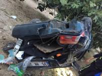 Buharkent'te Otomobil Şarampole Devrildi Açıklaması 6 Yaralı
