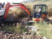 SU TAŞKINI - Büyükşehir 10 Ayda 90 Bin Metre Dere Temizliği Yapıldı