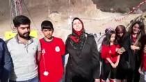 Gönüllü Gençler İshak Paşa Sarayı Çevresindeki Çöpleri Topladı