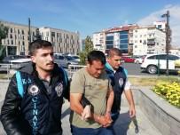 UZAKLAŞTIRMA CEZASI - Karısını Defalarca Bıçaklayarak Öldüren Şahıs Adliyeye Sevk Edildi