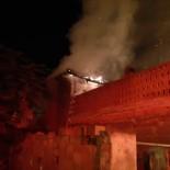 Kepsut'ta Sobadan Çıkan Yangın Evi Kül Etti