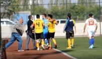 ARBEDE - Kulüp Başkanı, Futbolcusunu Dövdü