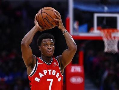 Lowry bir sene daha Toronto Raptors'ta