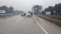Bursa'da Yağmurla Gelen Zincirleme Kaza Açıklaması 3 Yaralı