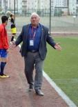 YUSUF ŞAHIN - Futbolcusunu Döven Başkan Hacı Yusuf Şahin Açıklaması