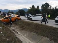 Hatalı Sollama Kaza Getirdi Açıklaması 6 Yaralı