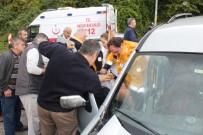 İnebolu'da Köprü Girişinde İki Araç Çarpıştı Açıklaması 2 Yaralı