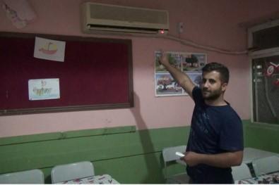 Öğrencilerin Sıcak Havada Ders Görmesine Razı Olmadı, Klimaları Ücretsiz Tamir Etti