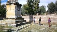 2 Bin Yıllık 'Dikilitaş'ı Hedef Tahtası Yaptılar