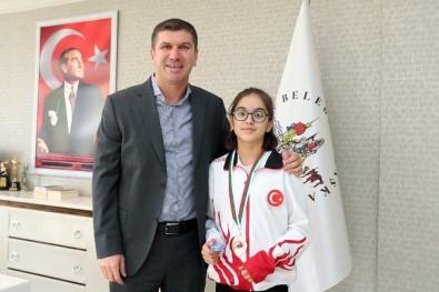 Balkan Şampiyonu, Başarısını Başkan Ercengiz'le Paylaştı