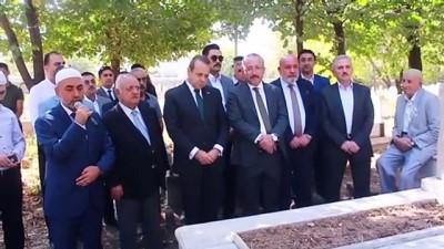 Eski Siirt Belediye Başkanı Bağış Mezarı Başında Anıldı