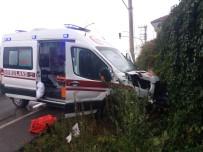 Isparta'da Hasta Taşıyan Ambulans Kaza Yaptı Açıklaması 4 Yaralı