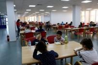 Minik Maceracılar Kütüphanede Buluştu