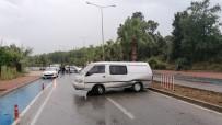 Takla Atarak Karşı Şeride Geçip Seyir Halindeki Kamyonete Çarptı Açıklaması 1 Yaralı