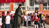 Adana'da Bir Öğretmen Makyajla Atatürk'e Benzetildi
