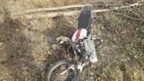 Afyonkarahisar'da Otomobil İle Motosiklet Çarpıştı Açıklaması 1 Ağır Yaralı