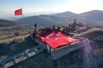 AKUT'tan 294 Metrelik Dev Türk Bayrağı İle Anma Töreni