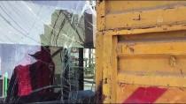 ÇAVUŞBAŞı - Beykoz'da Otobüs Kamyonla Çarpıştı Açıklaması 2 Yaralı
