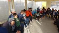 SRI LANKA - Çanakkale'de 97 Kaçak Göçmen Yakalandı