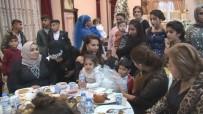 EBRU YAŞAR - Ebru Yaşar Halaya Çıktı, Dolarlar Havada Uçuştu