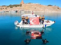 Jandarma Su Altı Ekibi 10 Kasım İçin Van Gölü'ne Daldı