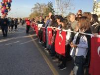 Kadıköy'de 6 Buçuk Kilometrelik Ata'ya Saygı Zinciri