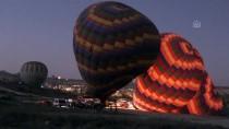 Kapadokya'da Balonlar Atatürk Afişleri Ve Bayraklarla Uçtu
