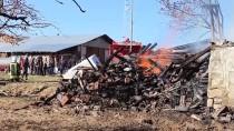 Kastamonu'da Yanan Evin Enkazında 89 Yaşındaki Yaşlı Adamın Cesedi Aranıyor