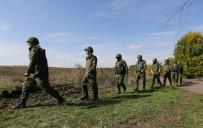 PHOENIX - Ukrayna Askeri Ve Rusya Yanlıları Bölgeden Çekilmeyi Sürdürüyor