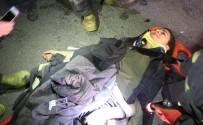 KARACAÖREN - Üşüyen Yaralı Genç Kızın Üzerini İtfaiye Erleri Montlarıyla Örttü