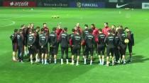 HAKAN ÇALHANOĞLU - A Milli Futbol Takımı'nda Mesai Başladı
