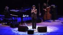 Güney Koreli Şarkıcı Youn Sun Nah, CRR'de Konser Verdi
