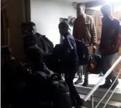 İzmir'de Operasyon Açıklaması 22 Düzensiz Göçmen Yakalandı