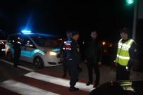 Kaymakam Abbasoğlu, Gece Yapılan Yol Uygulamasına Katıldı