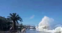KALDIRIMLAR - Kıyıya Vuran Dalgalar Nedeniyle Vatandaşlar Ölümden Döndü